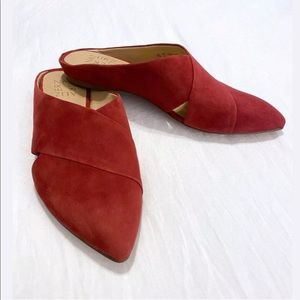 Naturalizer Simonette Pointed Toe Mules